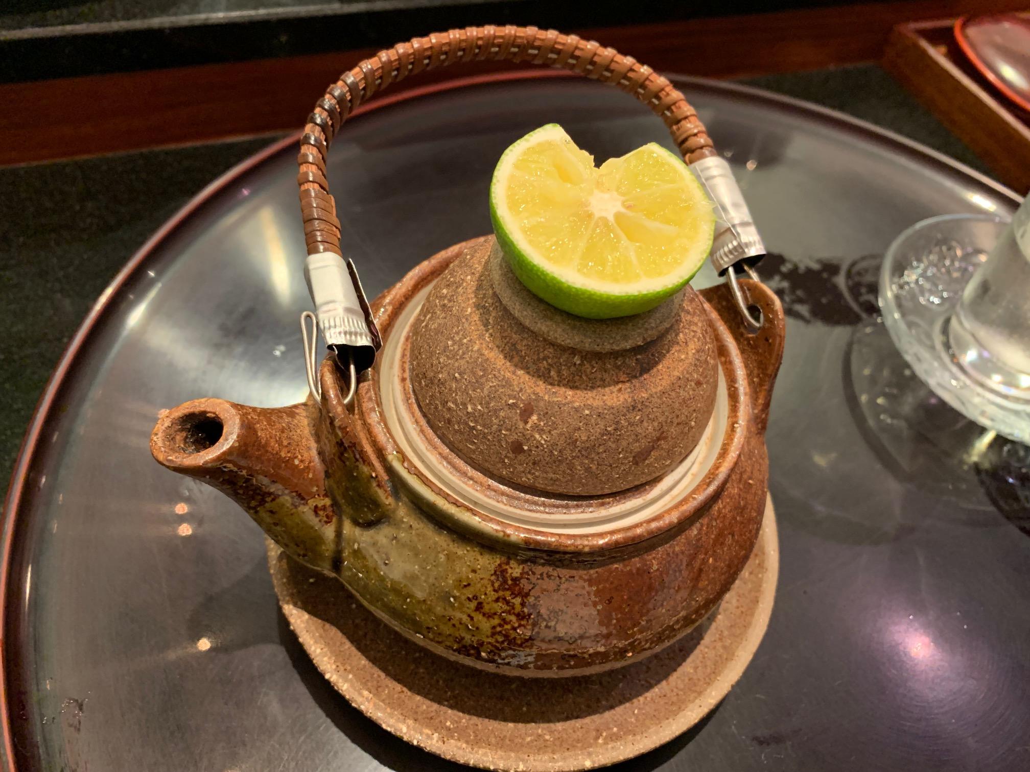 来年の秋も楽しみの味です。江東区深川にある酒菜「桃の木」の絶品マツタケの土瓶蒸しやカワハギ、秋の旬の味を今年も楽しむ事が出来ました。