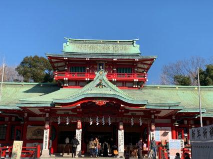 富岡八幡宮の元旦参詣を済ませると、新年の始まりを実感します